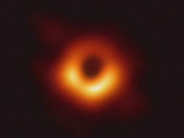 Ilmuwan Penemu Black Hole Diganjar Hadiah Rp 42,3 Miliar