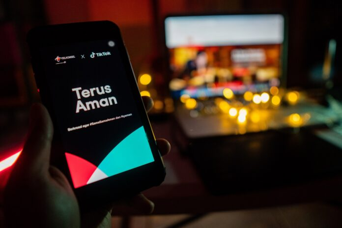 TikTok dan Telkomsel