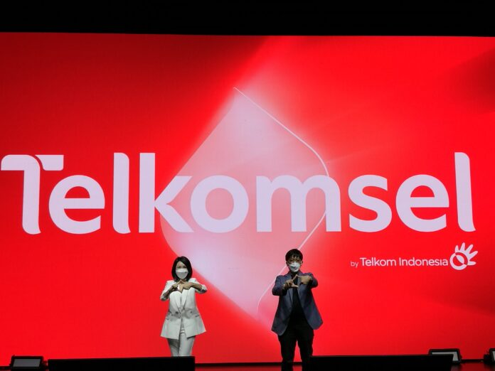 Telkomsel Ubah Logo